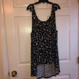 Torrid 3x black and white print hi low tank